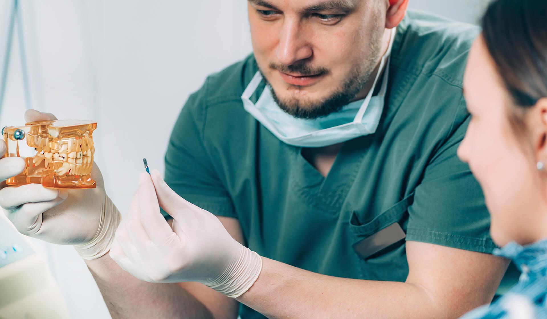 protez implant